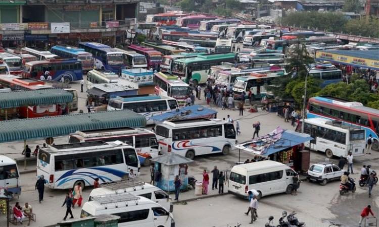 सार्वजनिक यातायातको भाडा ५० प्रतिशत बढ्यो, छोटो दुरीमा बस चल्ने_img