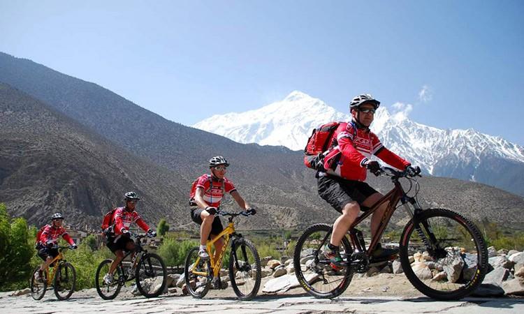 अन्तर्राष्ट्रिय बजारमा भन्दा सस्तो छ नेपालमा साइकल, यसरी छनोट गर्नुस् सुरक्षित_img