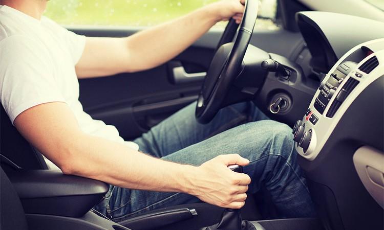 गाडी चालकले सुधार गर्नु पर्ने १२ बानी, नसुर्धे दुर्घटना हुन सक्छ_img