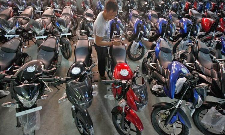 मोटरसाइकलको मूल्य बढेर ग्राहक हैरान_img