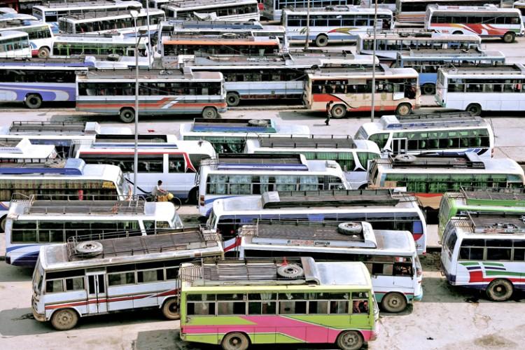 जाँदाजाँदै ओली सरकारको बढायो २८ प्रतिशतसम्म गाडी भाडा_img