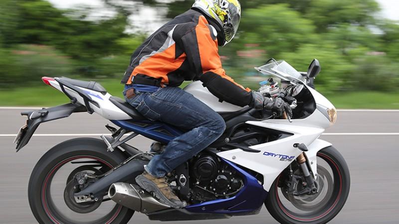 बीच बाटोमा मोटरसाइकलको किक र सेल्फ दुबै खराब भए यसरी गर्नुस् स्टार्ट_img