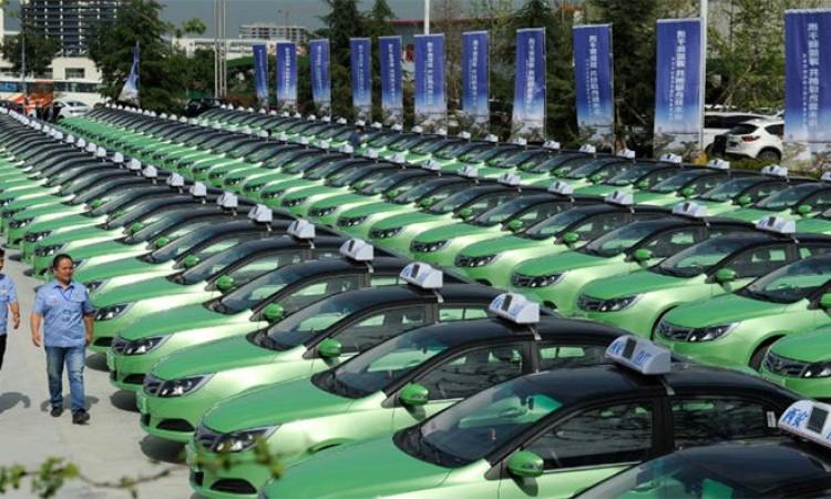 ट्याक्सीमा सिन्डिकेड कायमै, सरकारी मापदण्डको इलेक्ट्रीक ट्याक्सी बनाउन गाडी नै छैन_img