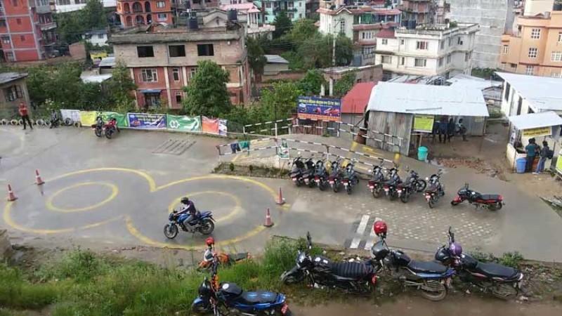 नयाँ नियम अनुसार ७ कुरामा ध्यान दिए मोटरसाइकलको ट्रायल पास_img