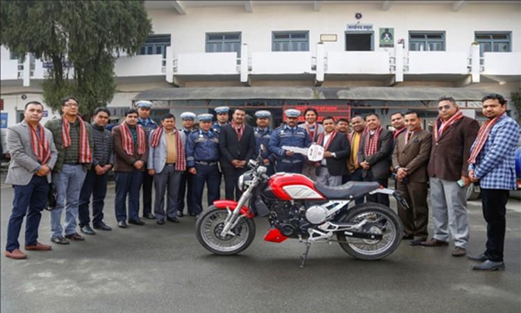 उपत्यकाको ट्राफिक व्यवस्थापनमा नाडाले सहयोग गर्ने, दियो २०० सीसीको मोटरसाइकल_img