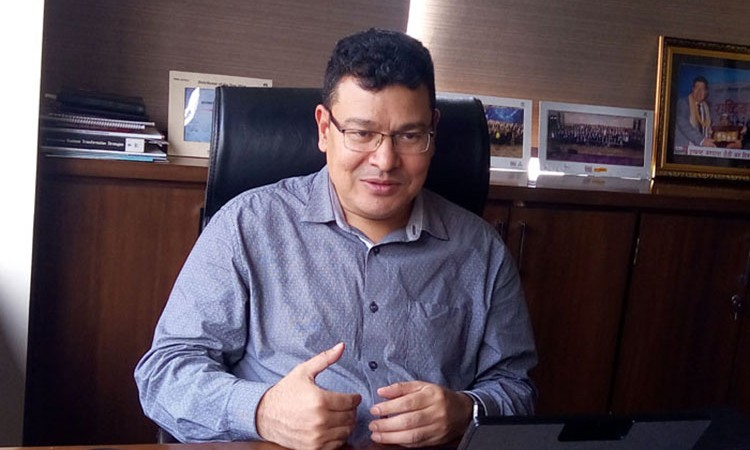 चेपुवामा सरकार, सार्वजनिक यातायात र कारको बिक्री : राजनबाबु श्रेष्ठको विचार_img