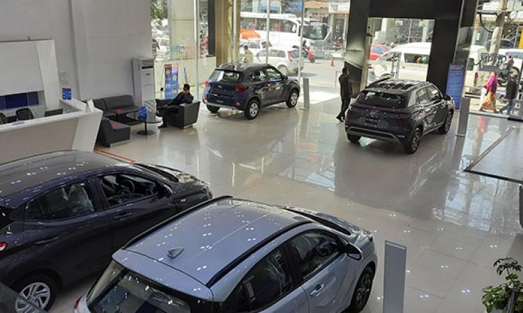 आजबाट खुले कार तथा मोटरसाइकलका शोरुम, कस्तो रहला विक्री_img