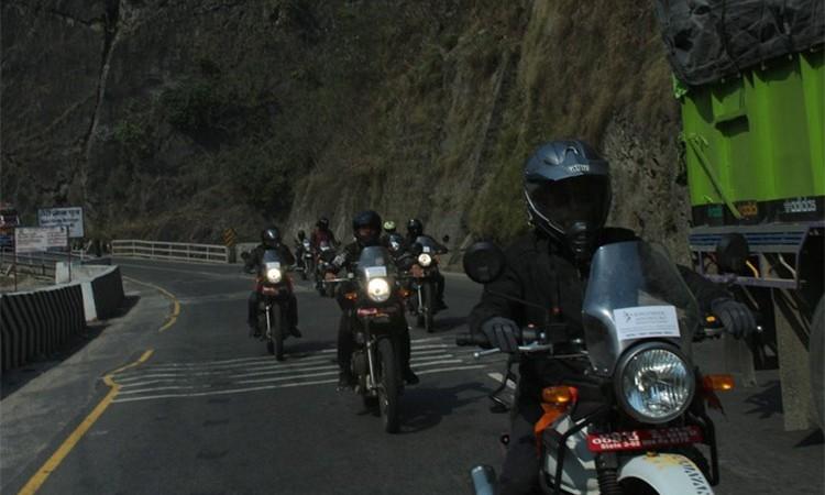 मोटरसाइकलमा लामो यात्रा गर्नेलाई उत्कृष्ट ४ मोटरसाइकल (मूल्यसहित)_img