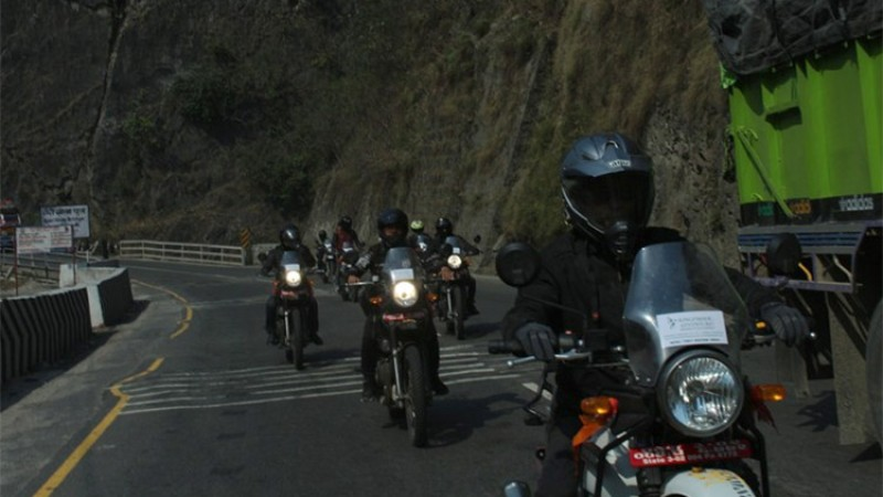 मोटरसाइकलमा लामो यात्रा गर्नेलाई उत्कृष्ट ४ मोटरसाइकल (मूल्यसहित)